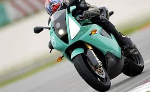 Petronas FP1 Superbike Bild 1