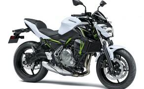 """Motorrad Zulassungen Deutschland - Top 10 Bild 13 Die """"Blecherne"""" - so nennt man in Österreich die imaginäre Medaille für den 4.Platz - schnappt sich Kawasaki mit der <a href=""""/testbericht-3002828-kawasaki-z-650-test"""">Z 650</a>."""
