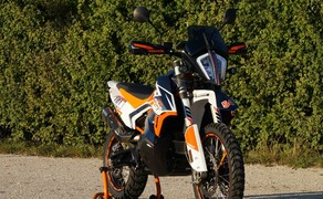 "KTM 790 Adventure R ""RALLY"" Bild 17 Alle Powerparts für die 790 Adventure R findest Du <a href=""https://www.braumandl.com/shop/category/~category_id=powerparts?pft_ACCESSORY=14469&clearSearch=Y&searchCategoryId=powerparts&detailScreen=LayeredCategoryDetail"">HIER</a>"