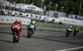 MotoGP Finale 2019 in Thailand - Marquez wird erneut Weltmeister Bild 12