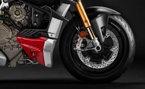 Ducati Streetfighter V4 2020 Bild 11 Voll einstellbare 43 mm Showa Gabel vorne und ein komplett einstellbarer Sachs Stoßdämpfer hinten - feinste Ware! Die Streetfighter V4 S setzt noch eins drauf und bekommt ein elektronisches Fahrwerk von Öhlins verpasst.