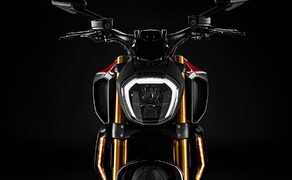 """Ducati Motorradneuheiten 2020 Bild 11 Die wohl kleinste Neuerung gibt es bei der Ducati Diavel 1260 S. Sie kommt 2020 in einer neuen Farbe, einem kräftigen Ducati-Rot. Alle Details und Fotos zu dieser Ducati Diavel 1260 S Red findet ihr im <a href=""""https://www.1000ps.at/modellnews-3006121-ducati-diavel-1260-s-red-2020"""">Bericht dazu</a>."""