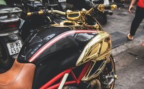 Goldene Ducati Diavel StreetFind der Woche Bild 2