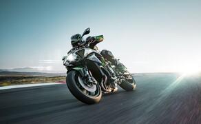 "Kawasaki Neuheiten 2020  Bild 1 Z H2: 200 kompressoraufgeladene PS lauern im schärfsten Kawasaki-Naked aller Zeiten. <a href=""/modellnews-3006111-kawasaki-z-h2-2020-daten-fakten-video"">Hier gehts zum Kawasaki Z H2 Bericht</a>"