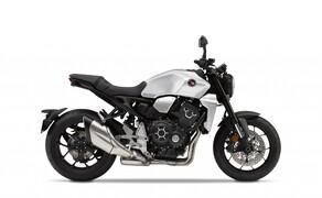 """Honda Motorrad und Roller Neuheiten 2020 Bild 6 Die Änderungen an der Honda CB1000R werden von Honda als raffinierte Design-Updates bezeichnet, die den Premium Look weiter erhöhen und die Präsenz des Bikes unterstreichen. Was sich genau verändert hat, erfährst du <a href=""""/modellnews-3006165-honda-cb1000r-2020"""">HIER</a>."""