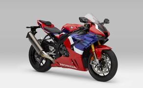 """Honda Motorrad und Roller Neuheiten 2020 Bild 3 Außerdem mit am Start: Eine noch edlere und schnellere Honda CBR1000RR-R SP Fireblade. Hier findest du alle Infos zur <a href=""""/modellnews-3006156-neue-honda-fireblade-2020"""">neuen CBR1000RR-R Fireblade SP</a>"""