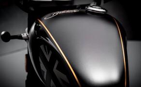 Triumph Bonneville Bobber TFC 2020 Bild 10 Immer wieder schimmert es in dem sonst sehr dunklen Bike golden durch.