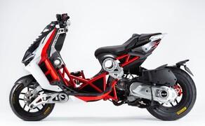 Italjet Dragster 125 und Dragster 200 2020 Bild 1 Der Italjet Dragster ist der einzige Motorroller mit Gitterrohrrahmen und Achsschenkellenkung.