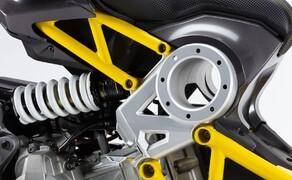 Italjet Dragster 125 und Dragster 200 2020 Bild 20 Hinten dämpft ein einstellbarer Mono-pneumatischer Stoßdämpfer.