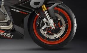 Aprilia RS 660 2020 - straßenzugelassene Version! Bild 5 Brembo liefert die Bremsanlage für die RS660: 320 mm Doppelscheibe mit radial montiertem Bremssattel