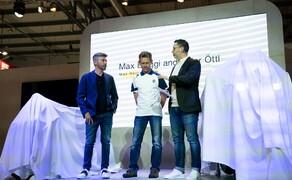 Das Husqvarna Moto3 Motorrad für 2020 Bild 1 Max Biaggi und Peter Öttl bei der Präsentation