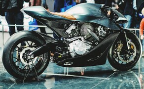 Brough Superior - Aston Martin AMB 001 Bild 1