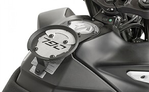 GIVI Zubehör für die KTM 790 Adventure Bild 4 Spezifischer Befestigungsring BF45 für TANKLOCK, TanklockED Taschen