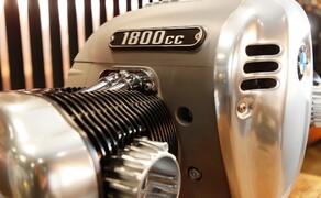 BMW R18 Motor Bild 5 1802 Kubikzentimeter um genau zu sein.