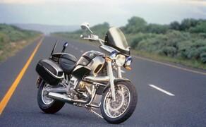 Die BMW R 1200 C – Rückblick auf den Boxer-Cruiser Bild 4 Auch als Polizeimotorrad konnte man sich damals die R1200C vorstellen. Dieses Bild stammt original von BMW.