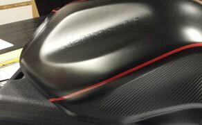 Folierungen/Motorrad Bild 7 Tank in Schwarz Matt foliert