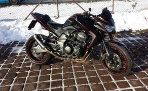 Folierungen/Motorrad Bild 8 Z750 -von Schwarz glanz auf Matt foliert.