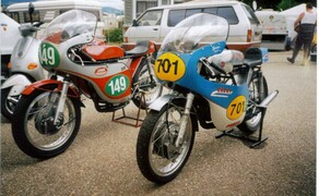 Zweirad Schneider in Rösrath-Köln Bild 11 Rennmotorräder Jawa 250 und CZ 350 Racer