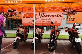 KTM Wimmer bei KTM und Oldtimer Ausstellung