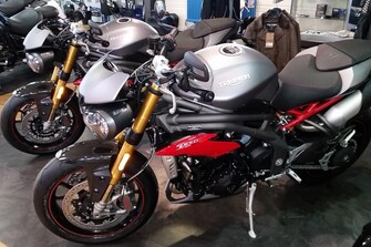Show-/Testbikes Speed Triple S/R