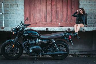 Wunderschönes Bike mit noch schönerem Modell