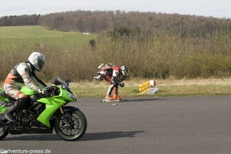 Inliner-JetPack vs Motorrad