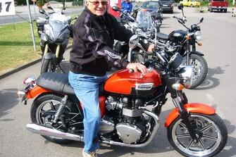 Der Senior fährt auch wieder Triumph