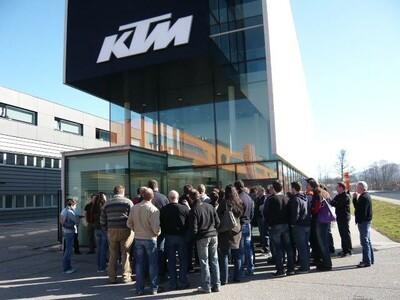 KTM-Wimmer bei  Werksbesichtigung März 2012 anzeigen