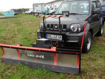 Winterdienst Suzuki Jimny SnowWay Schild anzeigen