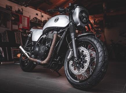Triumph Custom Aces - Machbar Industries