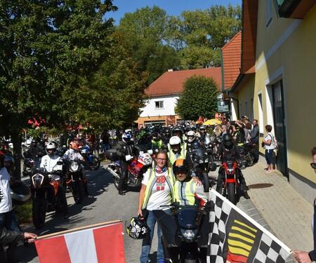 Motorrad Benefizausfahrt