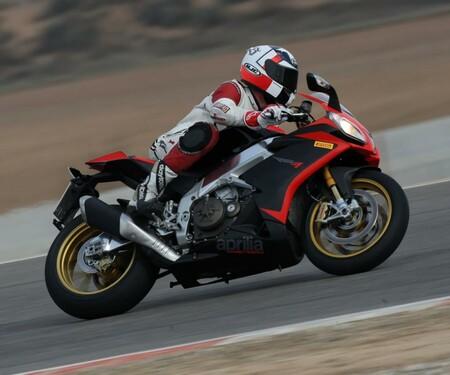 Superbike Vergleichstest Aprilia Rsv4