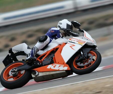 Superbike Vergleichstest KTM RC8r
