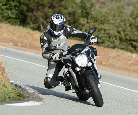 MV Agusta Brutale 800 - Test in Cannes