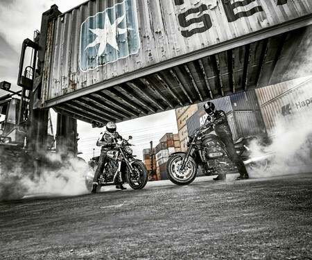 Yamaha V-Max gegen Triumph Rocket III