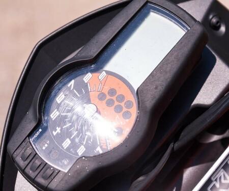 KTM 690 Duke R Stills & Details