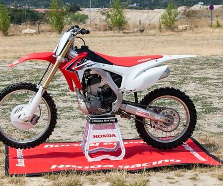 Honda CRF250R-Action&Stills