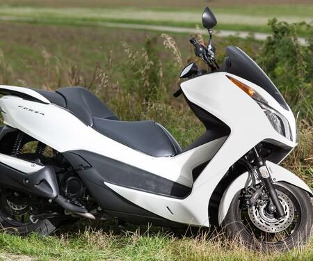 Honda Forza 300 MF08-2013