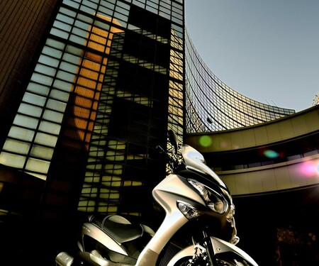 Suzuki Burgman 200 Actionfotos
