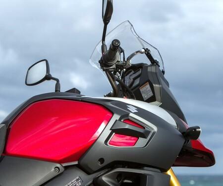 Suzuki V-Strom 1000 ABS 2014 Details