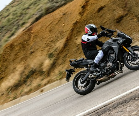 Yamaha MT-09 Tracer 2015 Test