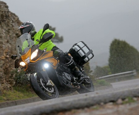 Aprilia Caponord 1200 Rally Test 2015