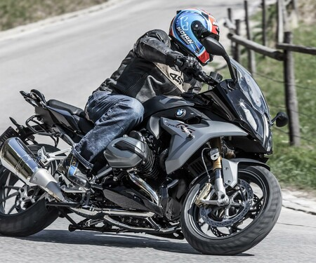 BMW R 1200 RS 2015 Test, Action & Details