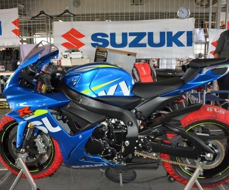 Serien Suzuki GSX-R750 bei der Challenge