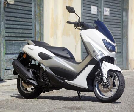 Yamaha NMAX und Tricity Test