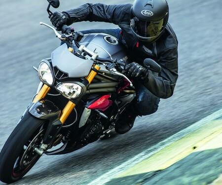 Triumph Speed Triple R und S 2016