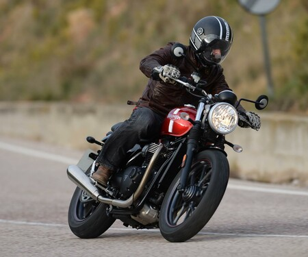 Triumph Street Twin Test