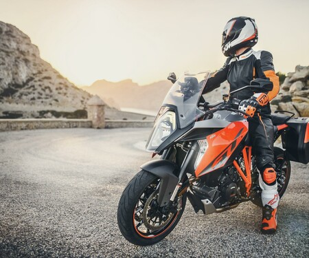 KTM 1290 Super Duke GT Test Präsentation