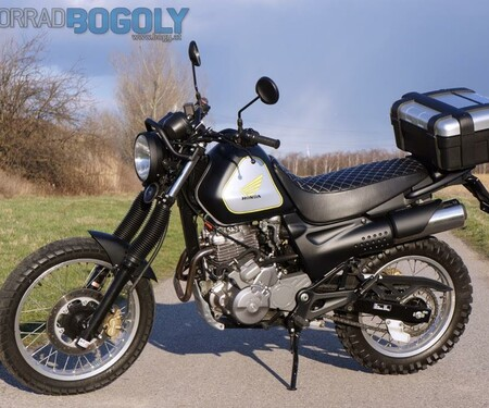 Honda SLR650 Umbau von Bogoly