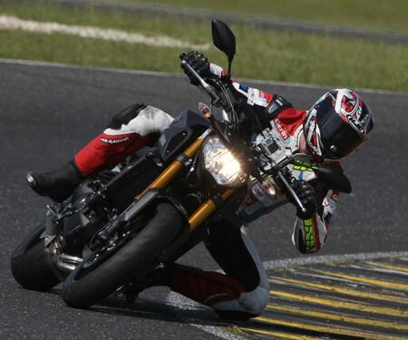 Yamaha MT-09 Rennstrecke 2016 - Action, Stunt, Detail